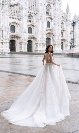 Свадебное платье в нежном пудровом оттенке