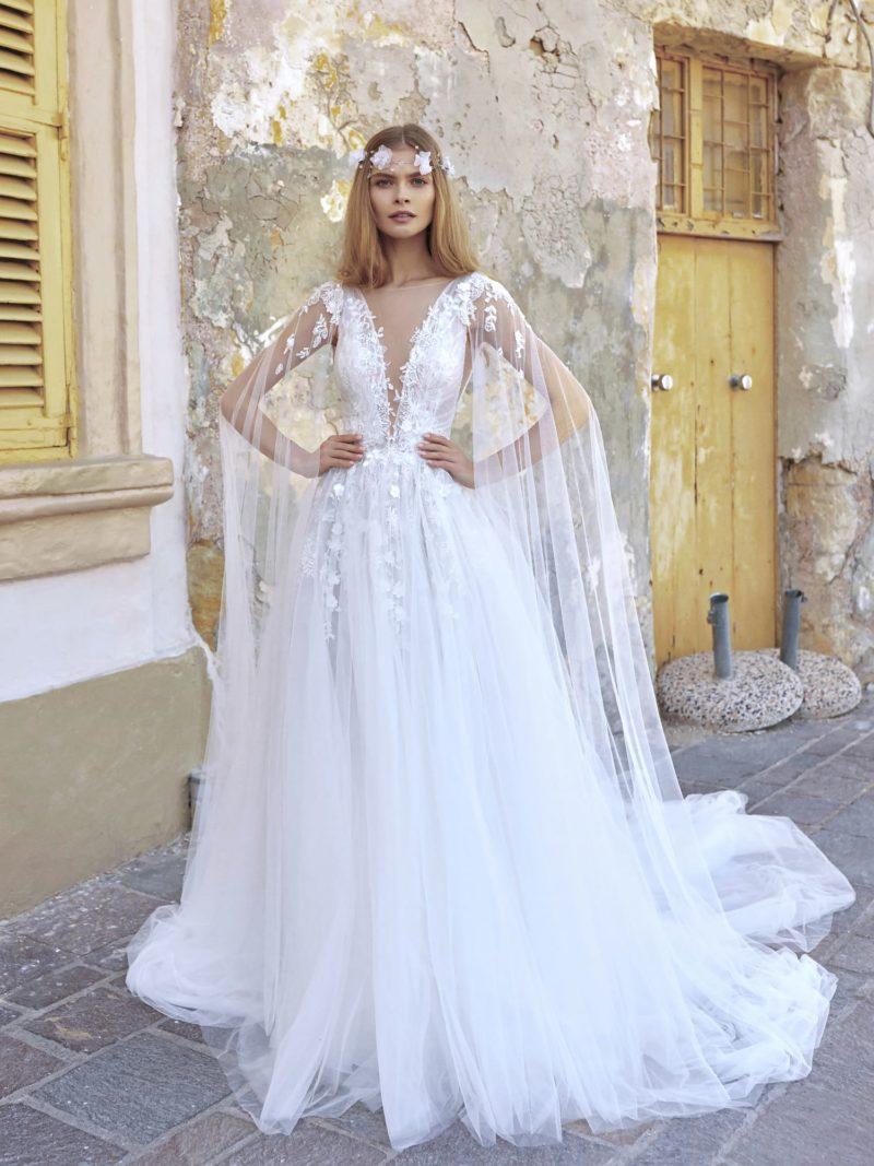 Свадебное платье из невесомого полупрозрачного фатина