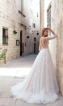 Элегантное свадебное платье пудрового цвета