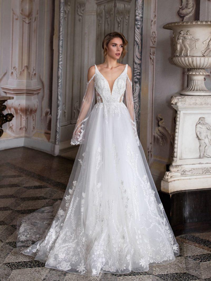 Пышное свадебное платье с ажурным декором