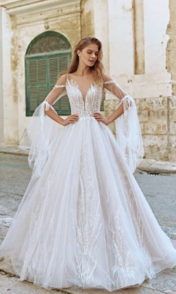 Пышное свадебное платье пудрового оттенка