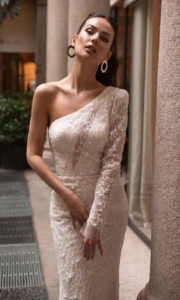 Свадебное платье силуэта «русалка» цвета айвори