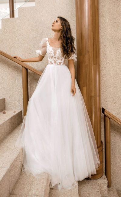 Платье с легким рукавом