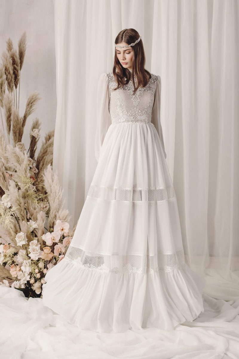 Свадебное платье цвета слоновой кости в стиле бохо