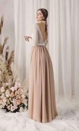 Двухцветное свадебное платье с приталенным силуэтом