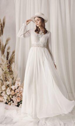 Закрытое свадебное платье в этническом стиле