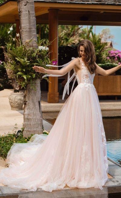свадебное платье легкого розового оттенка