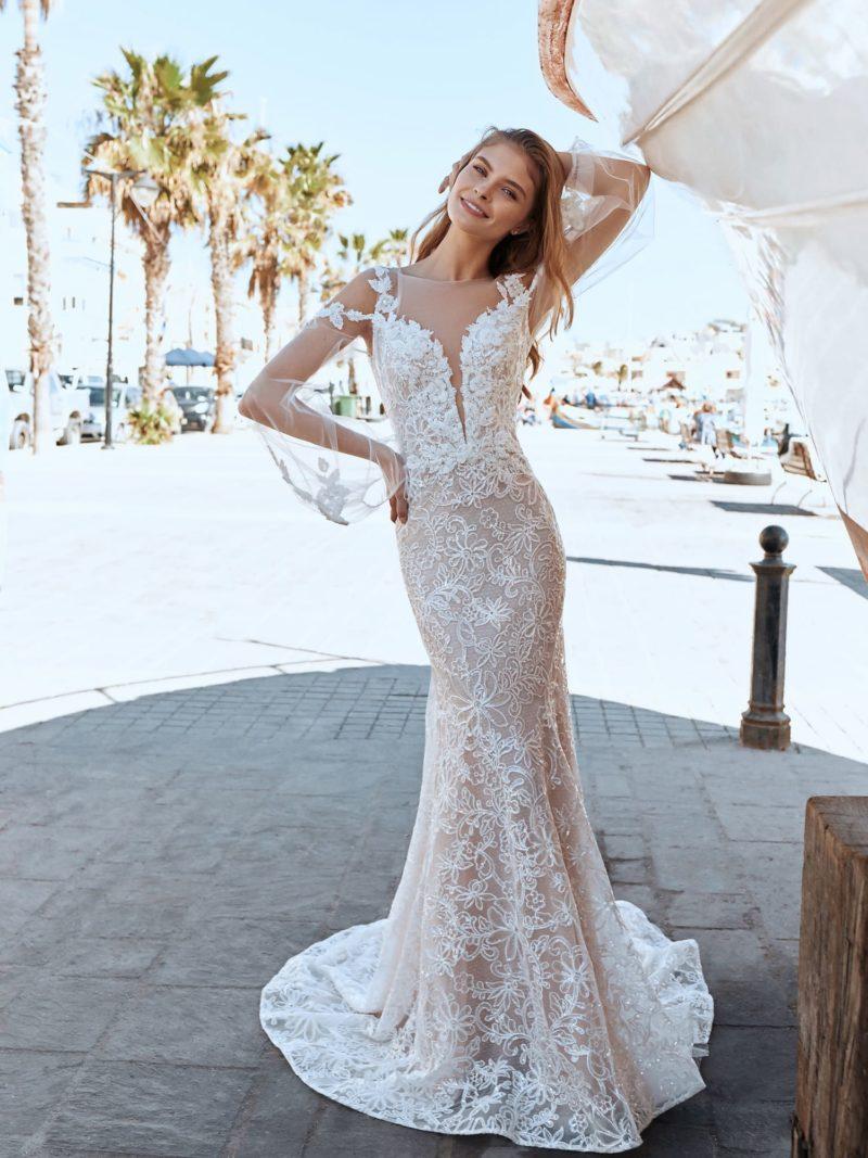 Свадебное платье-русалка изысканного оттенка капучино