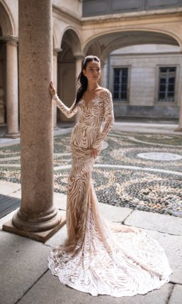 Свадебное платье силуэта «русалка» из фатина