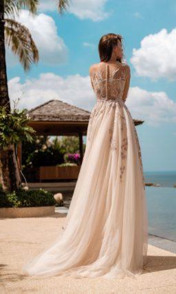 Ажурное свадебное платье приталенного силуэта