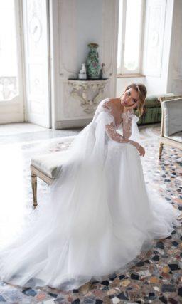 Белоснежное свадебное платье с легкой юбкой