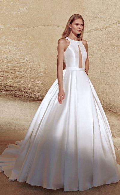 Дизайнерское пышное атласное платье