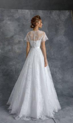 Свадебное платье из белоснежного кружева