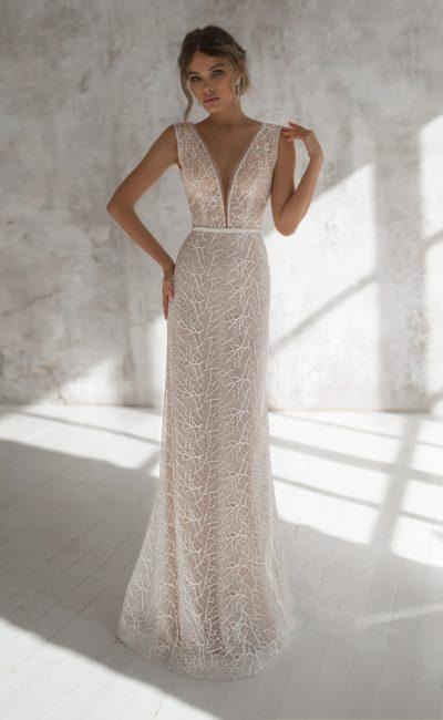 Красивое прямое свадебное платье