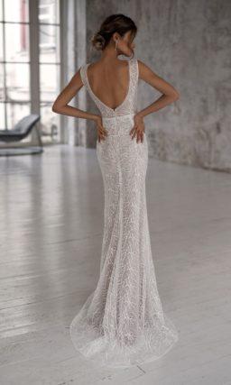 Мерцающее пудровое свадебное платье прямого кроя