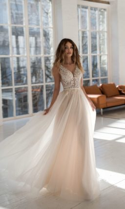 Легкое свадебное платье