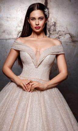 Пышное кремовое платье