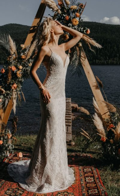 Открытое летнее свадебное платье