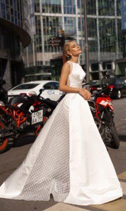 Пышное свадебное платье в стиле минимализм
