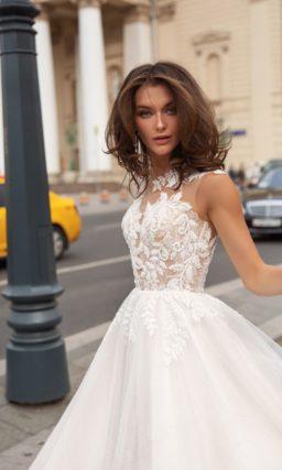 Пышное свадебное платье в оттенке пудры