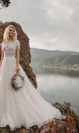 Пышное свадебное платье в стиле этно