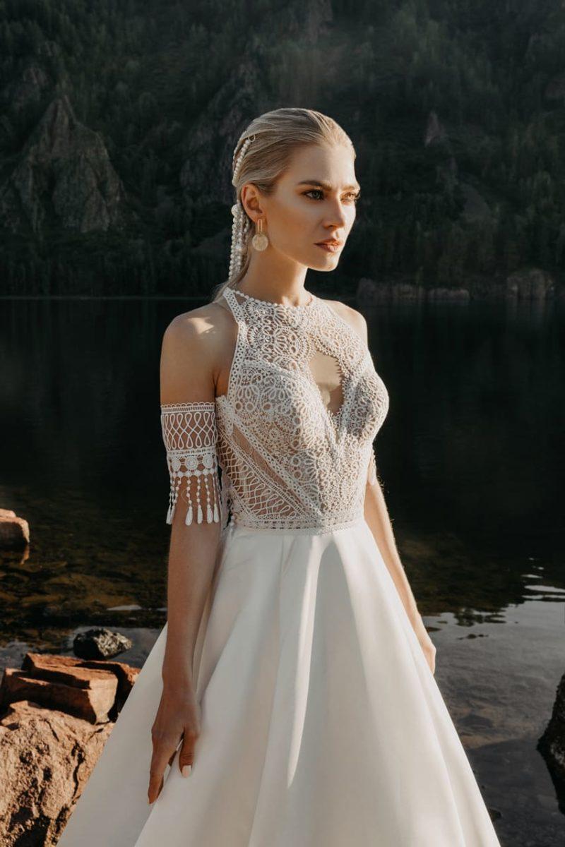Свадебное платье с элементами стиля бохо