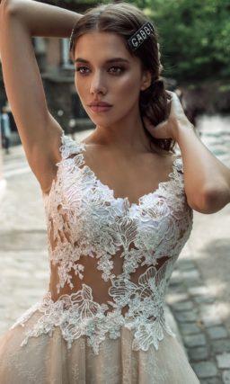Свадебное платье с пышной юбкой контрастной расцветки