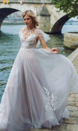 Свадебное платье  в необычном оттенке муссон