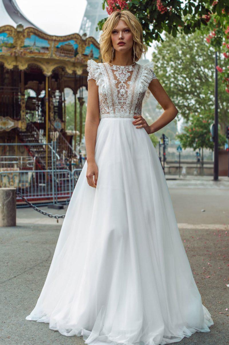 Свадебное платье с этническими мотивами в декоре