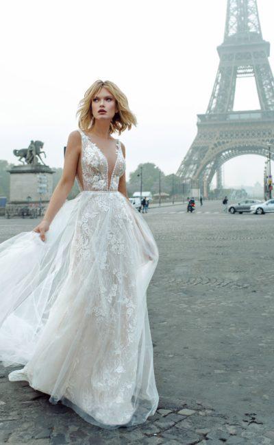 Открытое легкое свадебное платье