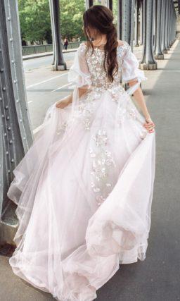 Свадебное платье нежно-розового цвета