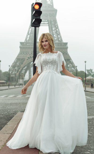 свадебное платье белоснежного цвета