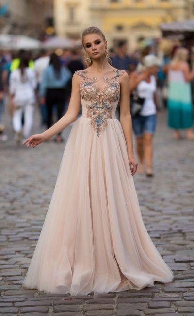 вечернее платье с воздушной юбкой