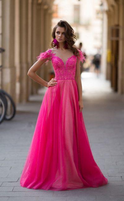 вечернее платье в пол неоново-розового цвета