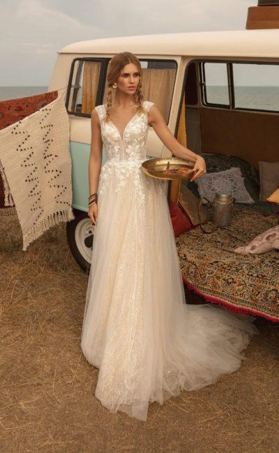 свадебное платье цвета персикового айвори