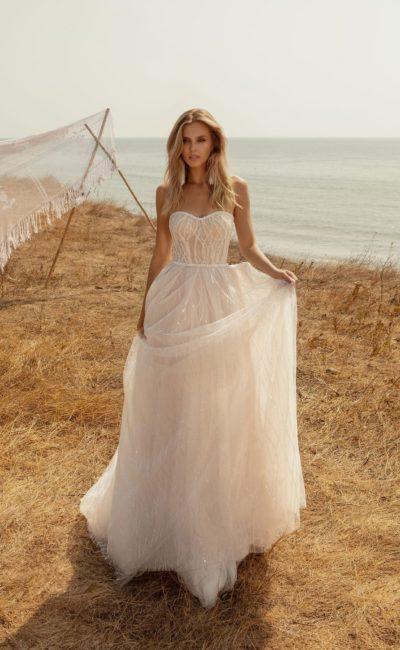 Пышное свадебное платье пудрового цвета