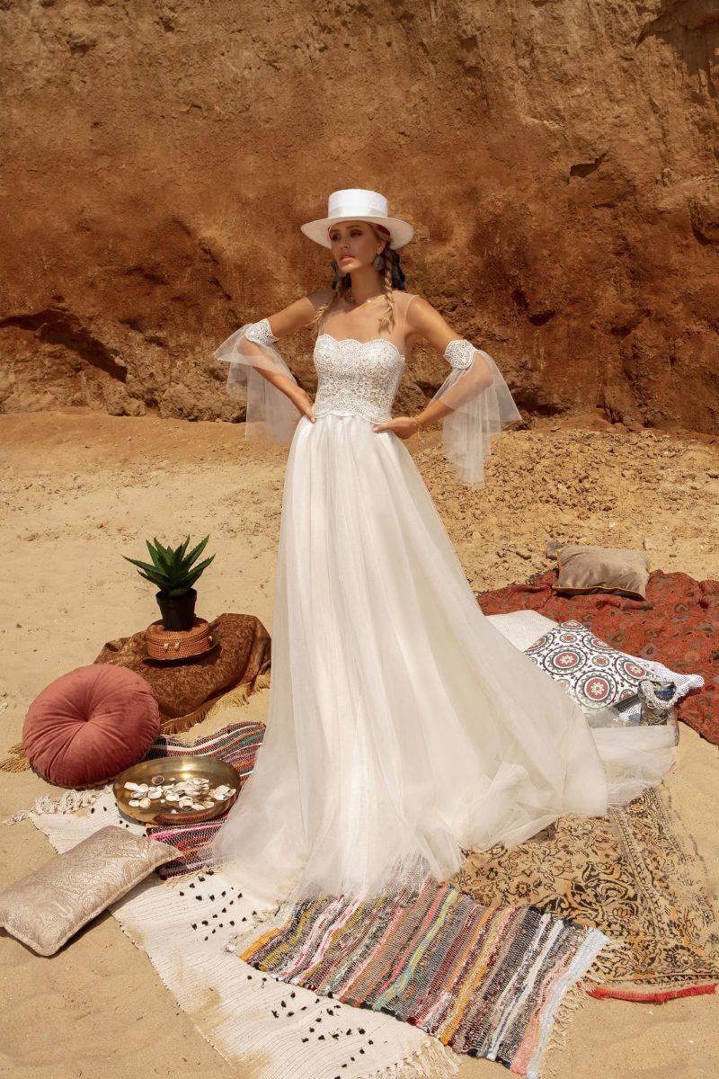 Приталенное свадебное платье
