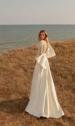 Кружевное закрытое свадебное платье