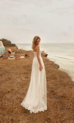 свадебное платье в бельевом стиле с приталенным силуэтом