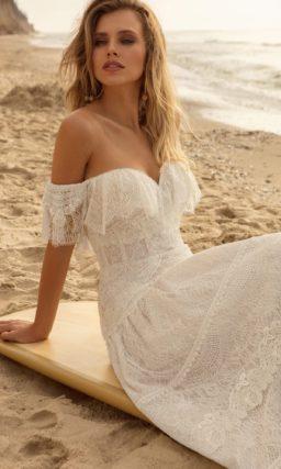 платье из мерцающего гипюра