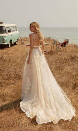 свадебное платье оттенка персикового айвори