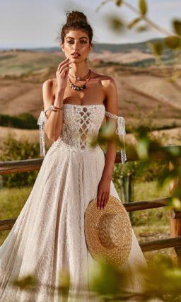 Роскошное свадебное платье из кружева