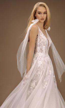 платье из легкого белого фатина