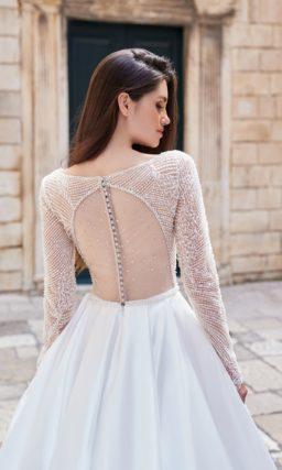 Пышное свадебное платье расшитое бисером