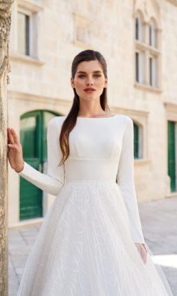 Пышное свадебное платье молочного цвета