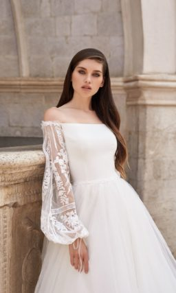 Пышное платье с воздушными рукавами