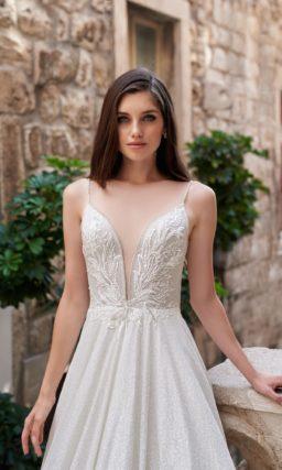 Свадебное платье с накидкой-кейпом