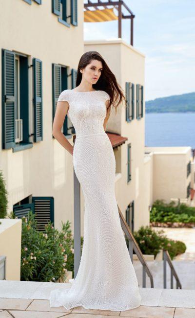 Платье с мелким кружевом
