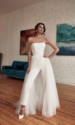 Свадебный брючный костюм