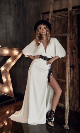 Стильное свадебное платье с прямой юбкой